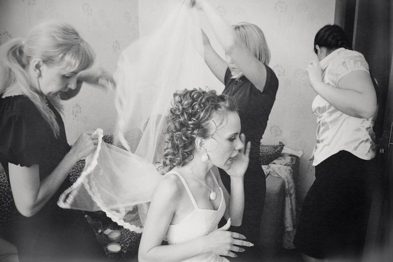 Russian wedding chaos