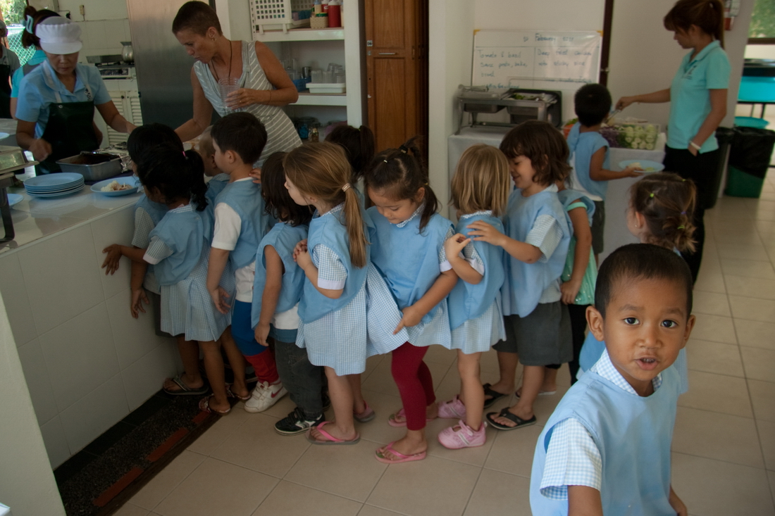 children choose the food in kindergarten Ko Samui