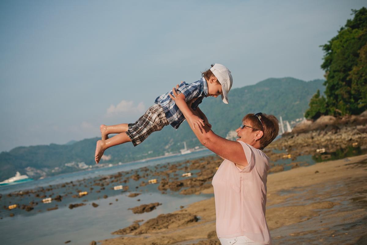 Family photoshooting in Phuket