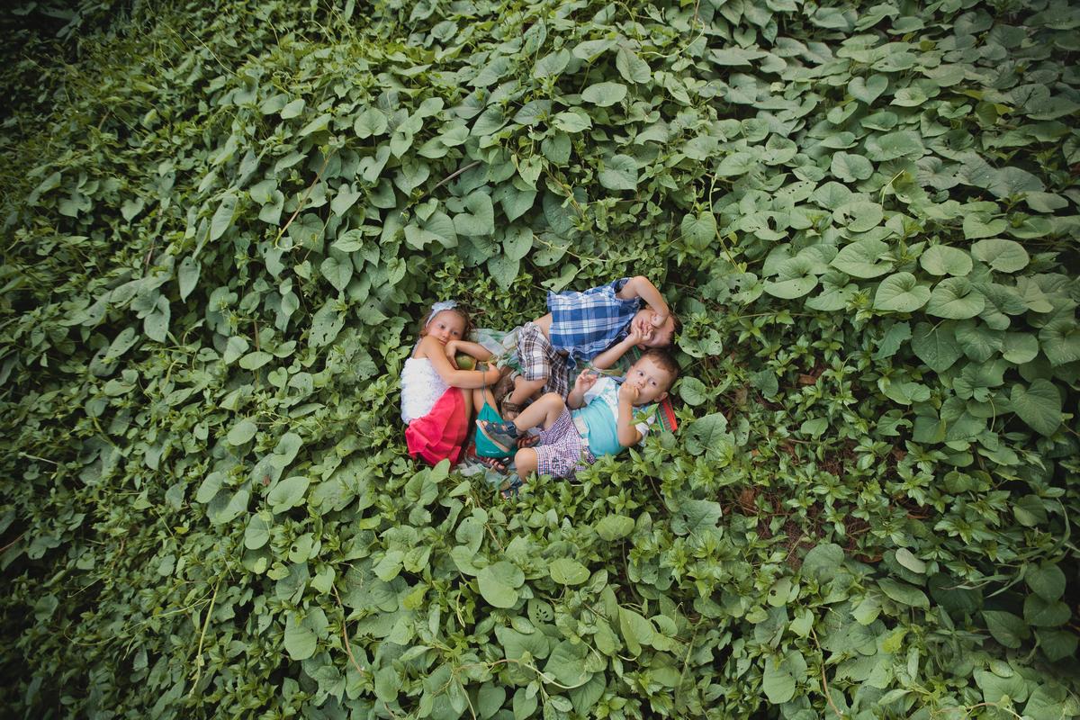 Children in gross, family photoshooting in Phuket