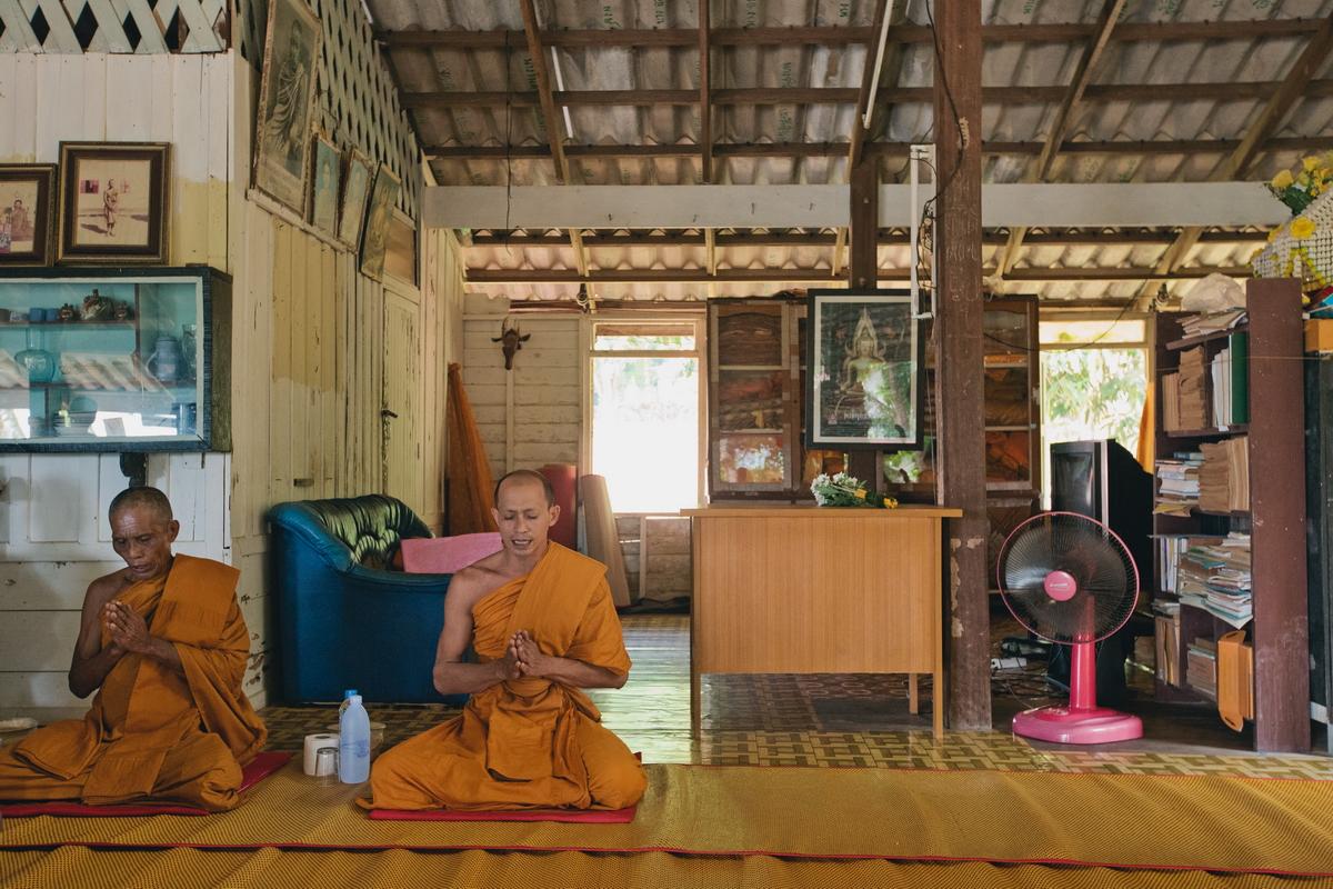 Buddist thai wedding on Koh Chang (9)