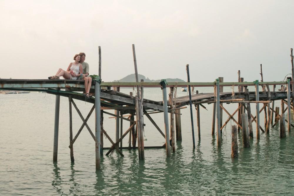 Vietnam Newlyweds on the bridge