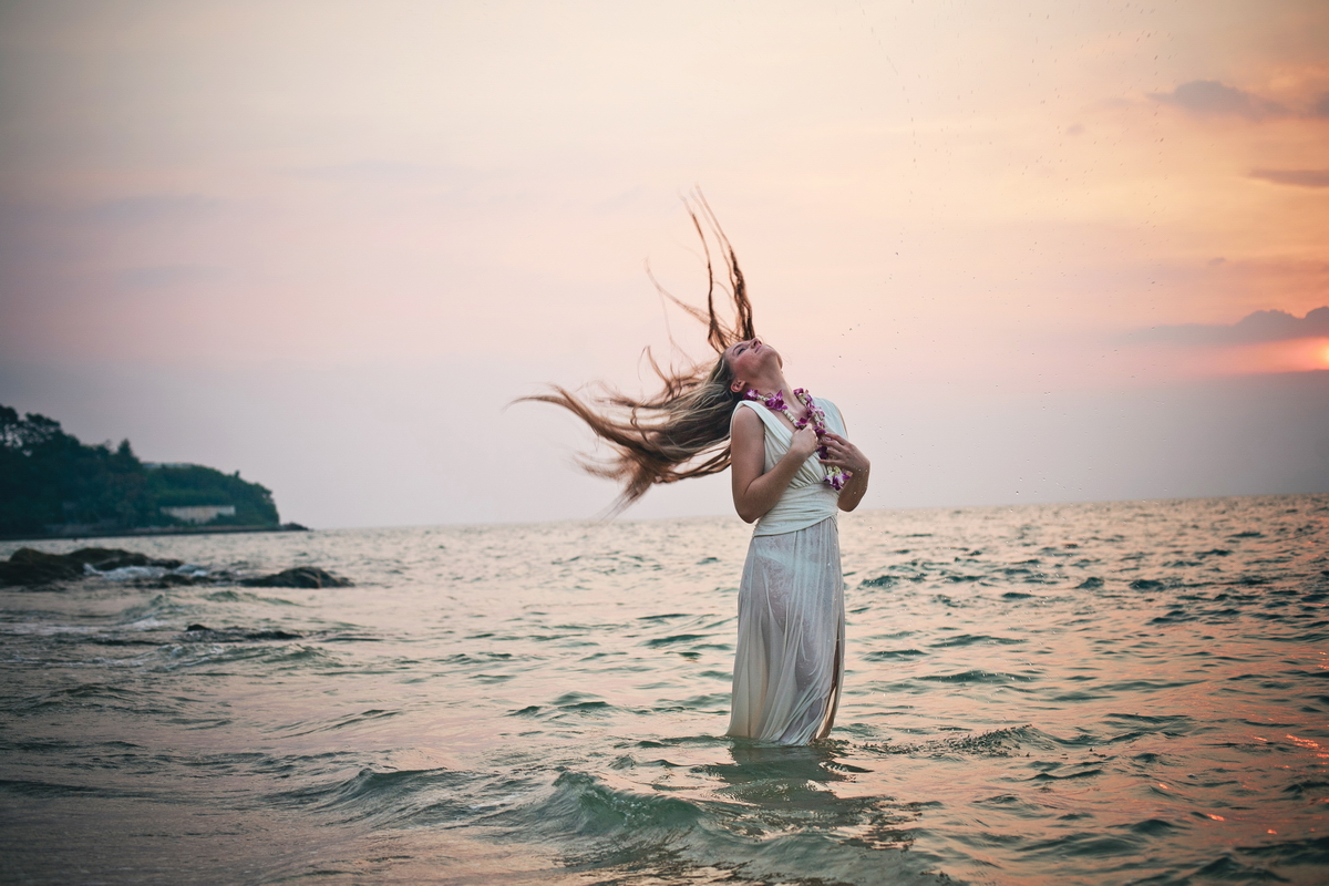 The girl on the shore of the Gulf of Thailand
