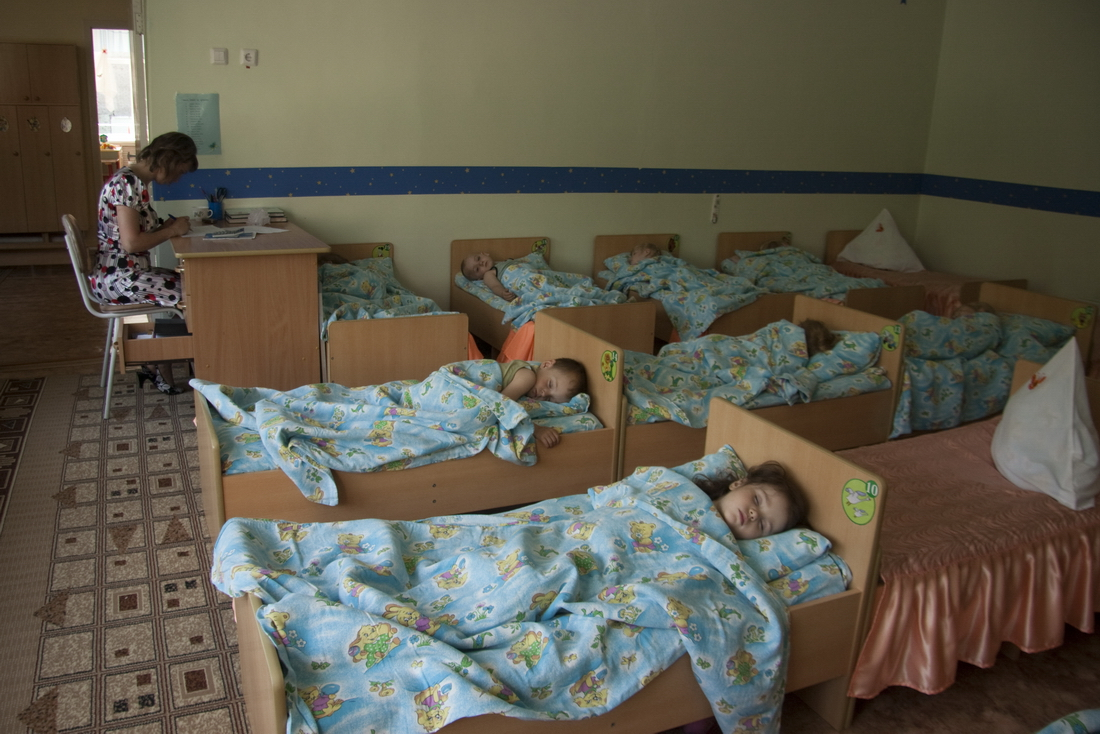 sleep time in Russian kindergarten