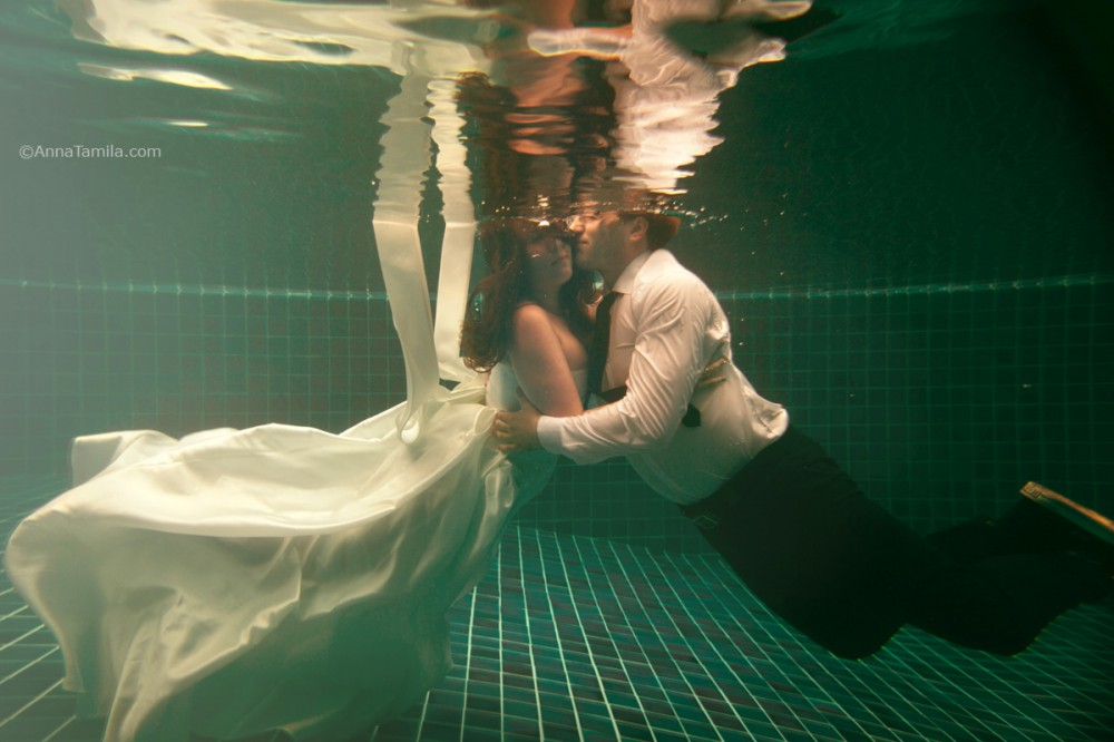 Underwater wedding photo