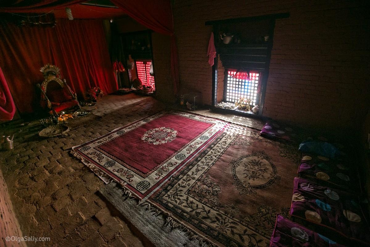 Life of Kumari in Nepal (13)