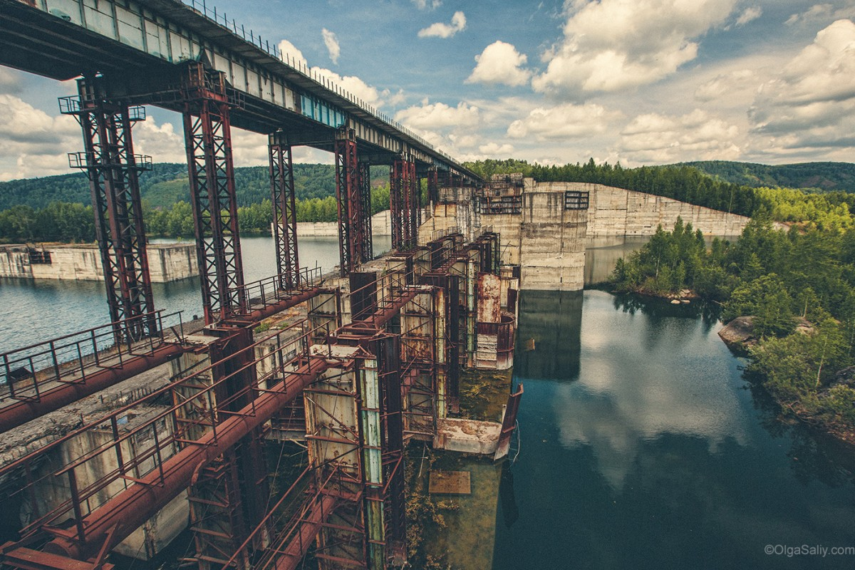 Abandoned Hydroelectricity Dam in Russia (25)