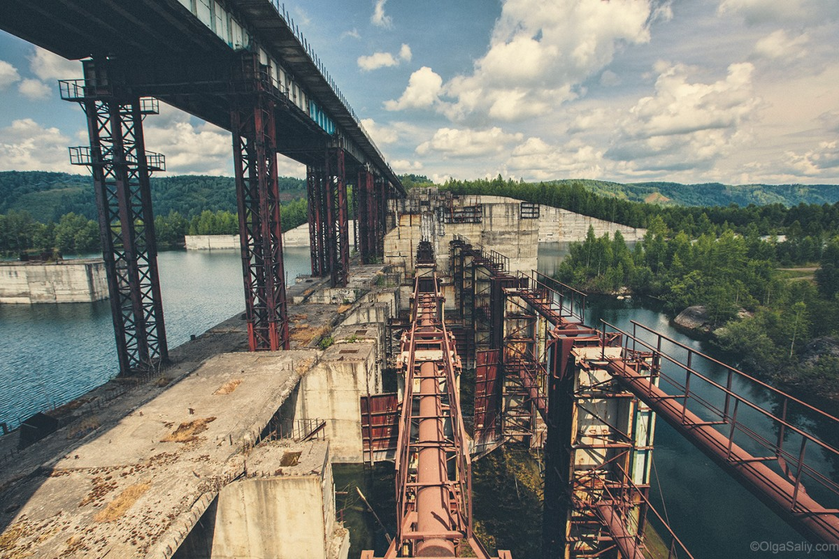 Abandoned Hydroelectricity Dam in Russia (19)