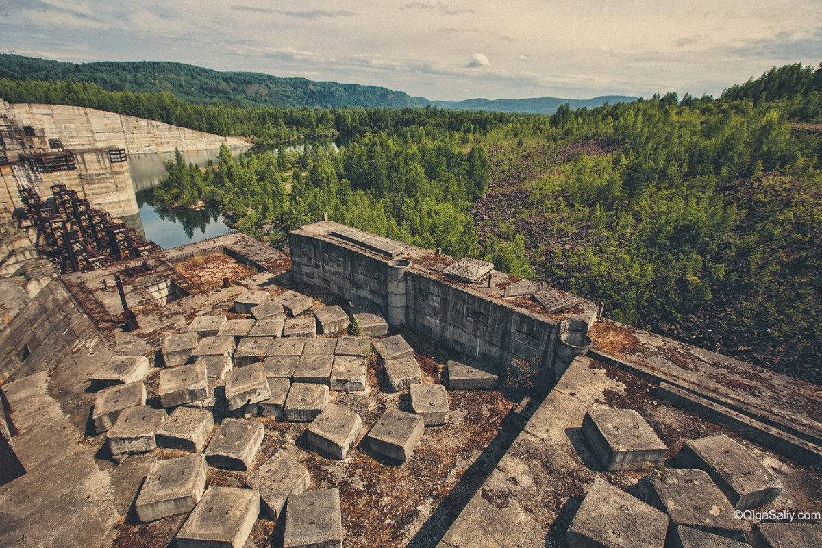 Abandoned Hydroelectricity Dam in Russia (16)