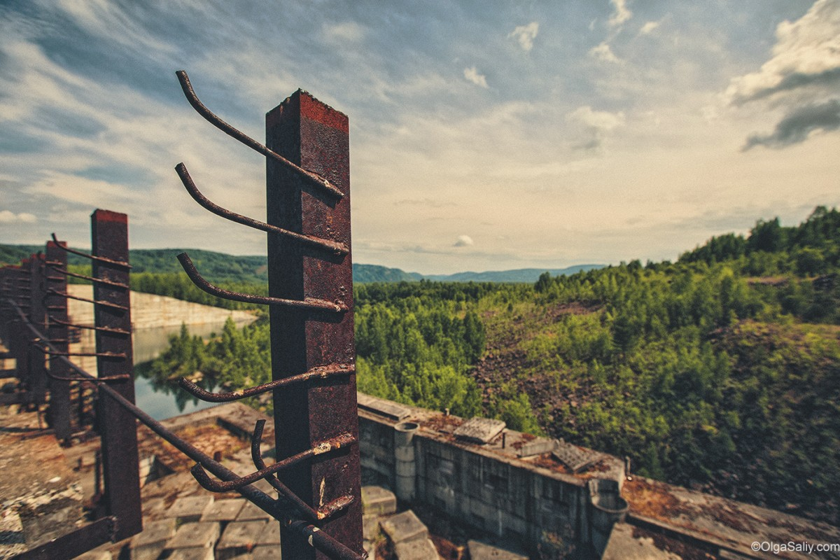 Abandoned Hydroelectricity Dam in Russia (15)