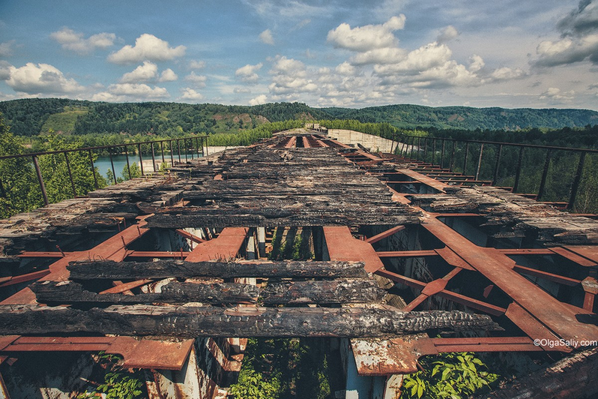 Abandoned Hydroelectricity Dam in Russia (14)