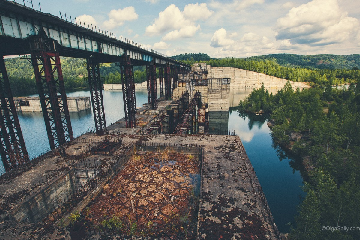 Abandoned Hydroelectricity Dam in Russia (13)