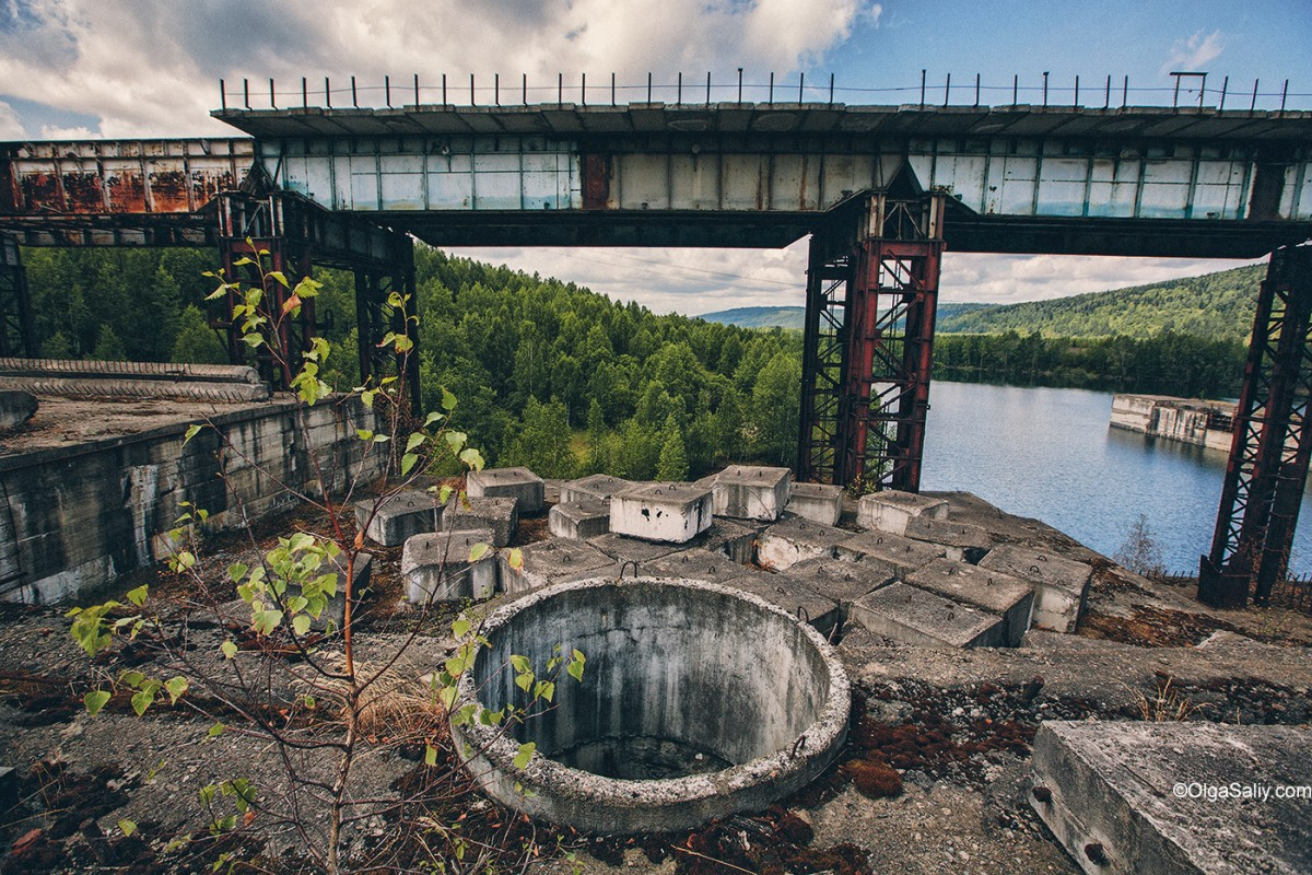 Abandoned Hydroelectricity Dam in Russia (8)