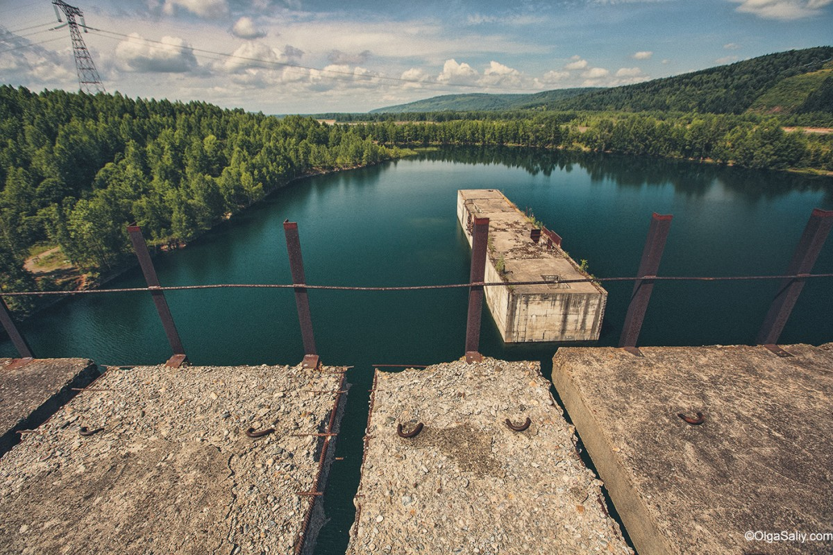 Abandoned Hydroelectricity Dam in Russia (4)