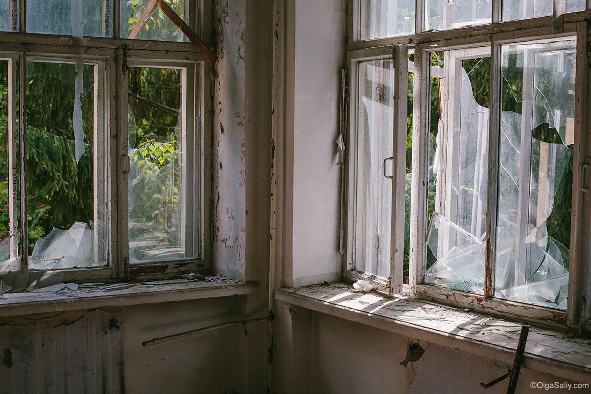 Abandoned Resort near Novosibirsk, Russia (34)