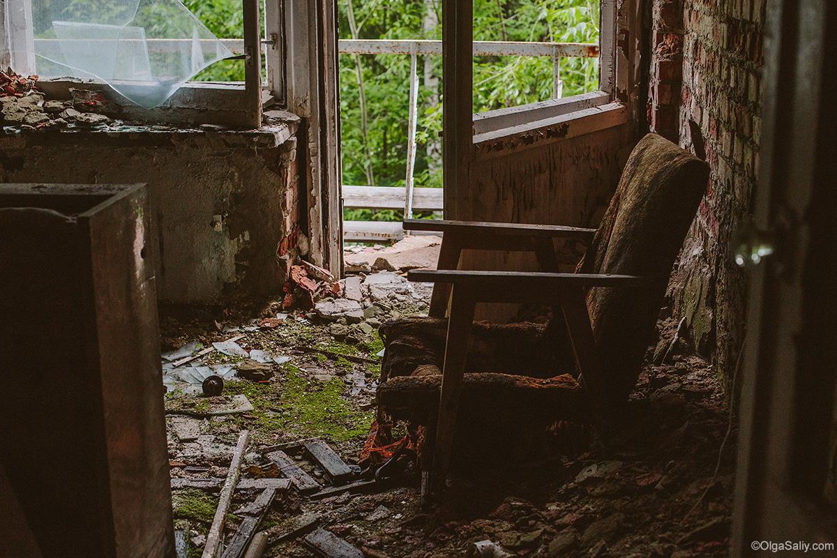 Abandoned Resort near Novosibirsk, Russia (21)