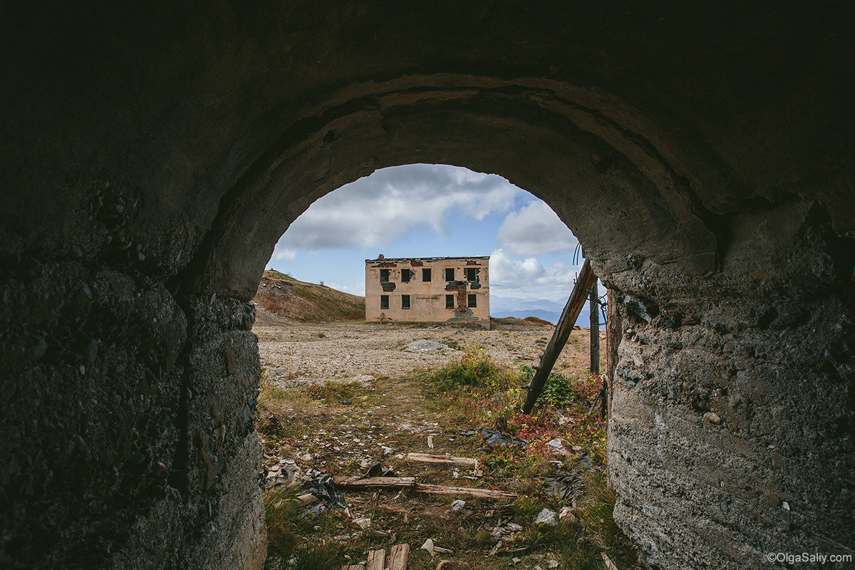 Abandoned Mercury Mine in Altai mountains (13)