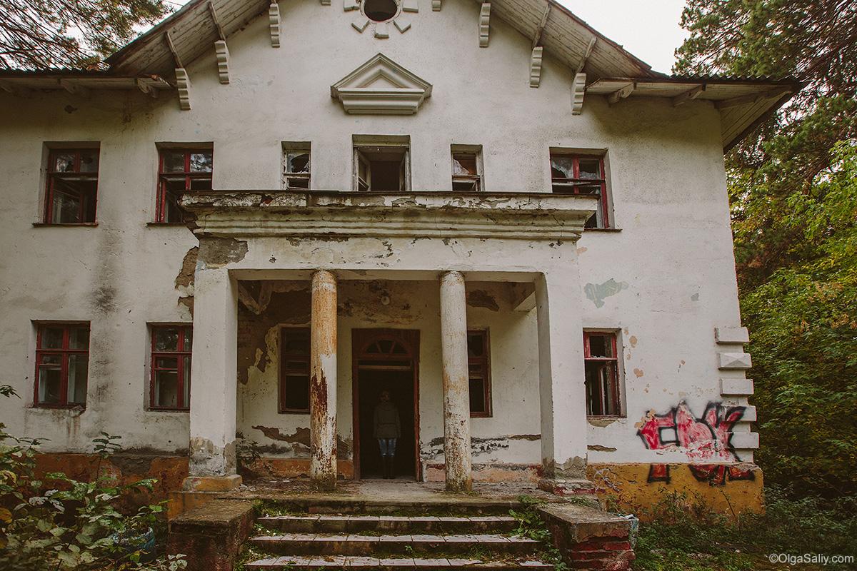 Abandoned Resort near Novosibirsk, Russia (19)