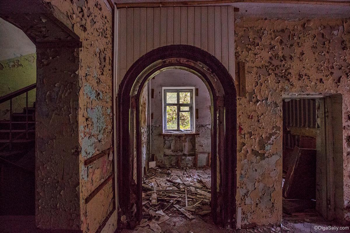 Abandoned Resort near Novosibirsk, Russia (18)