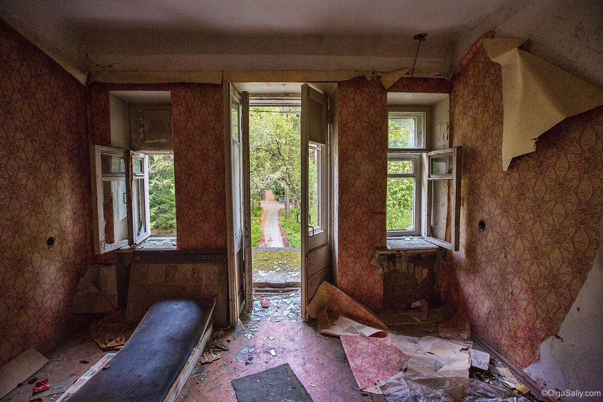 Abandoned Resort near Novosibirsk, Russia (17)
