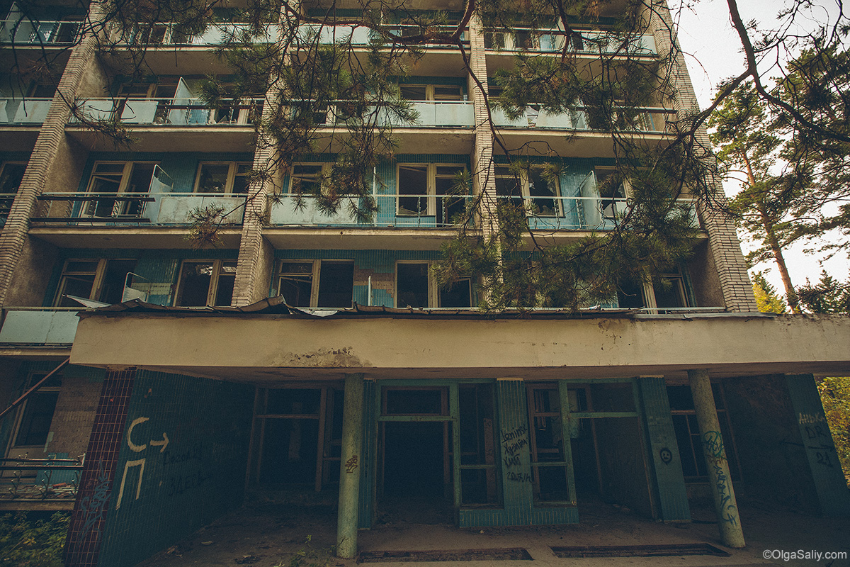 Abandoned Resort near Novosibirsk, Russia (11)