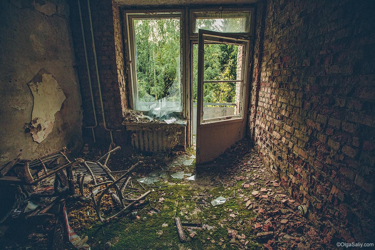 Abandoned Resort near Novosibirsk, Russia (9)