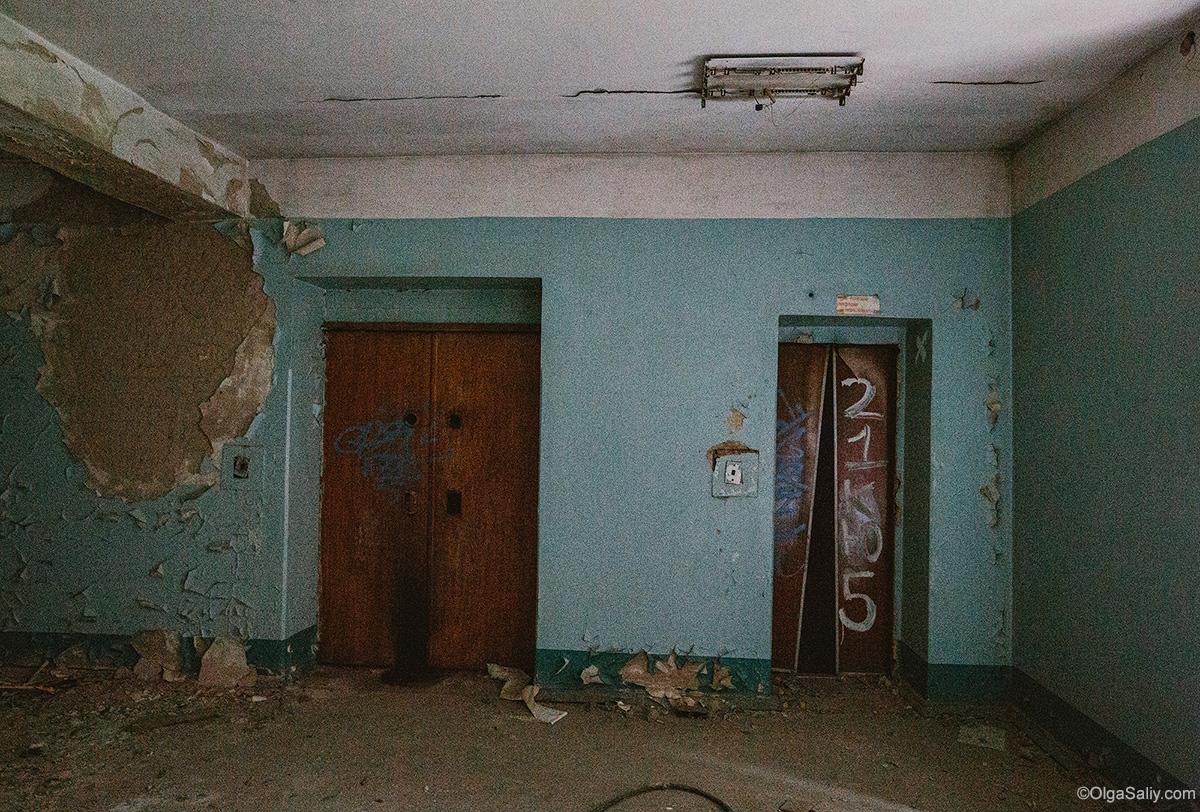 Abandoned Resort near Novosibirsk, Russia (8)