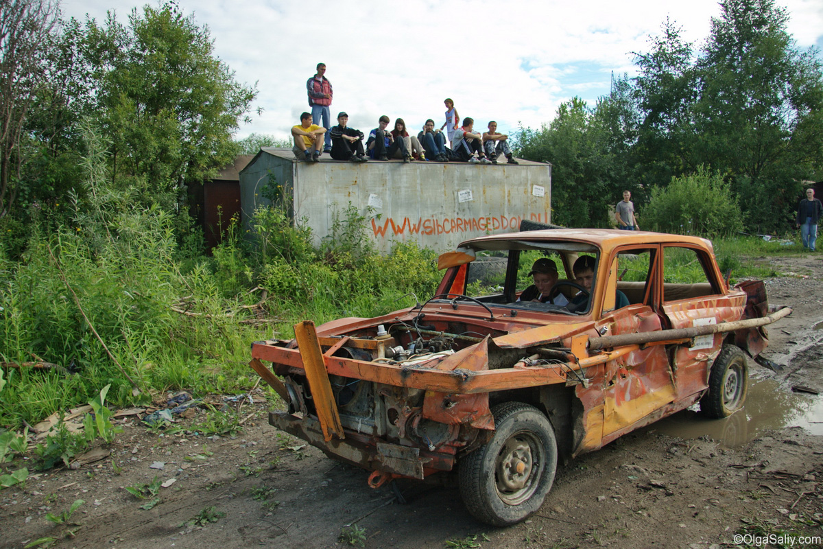 Crazy Russian Race Retro car