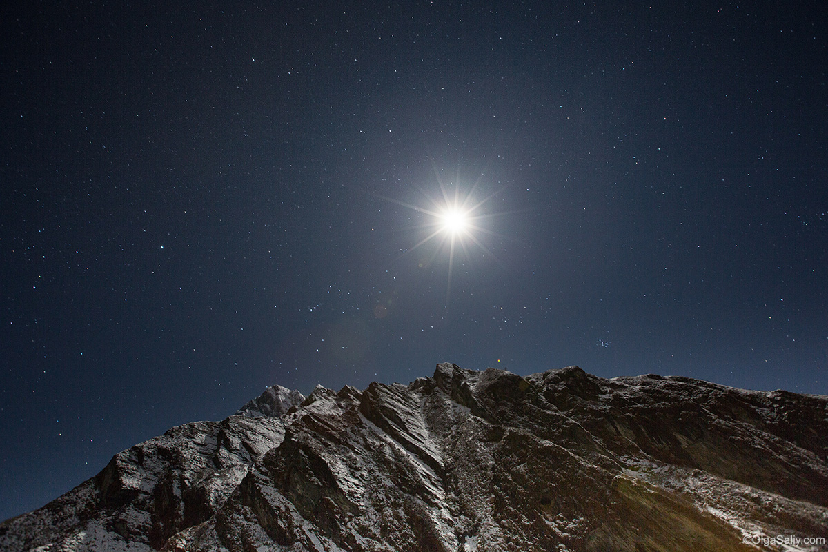 Moon above Annapurna