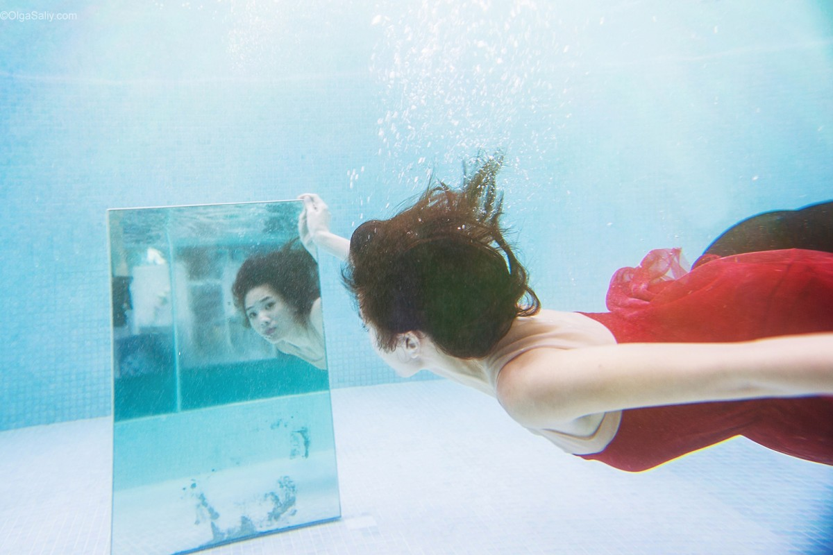 After Wedding day, underwater portrait