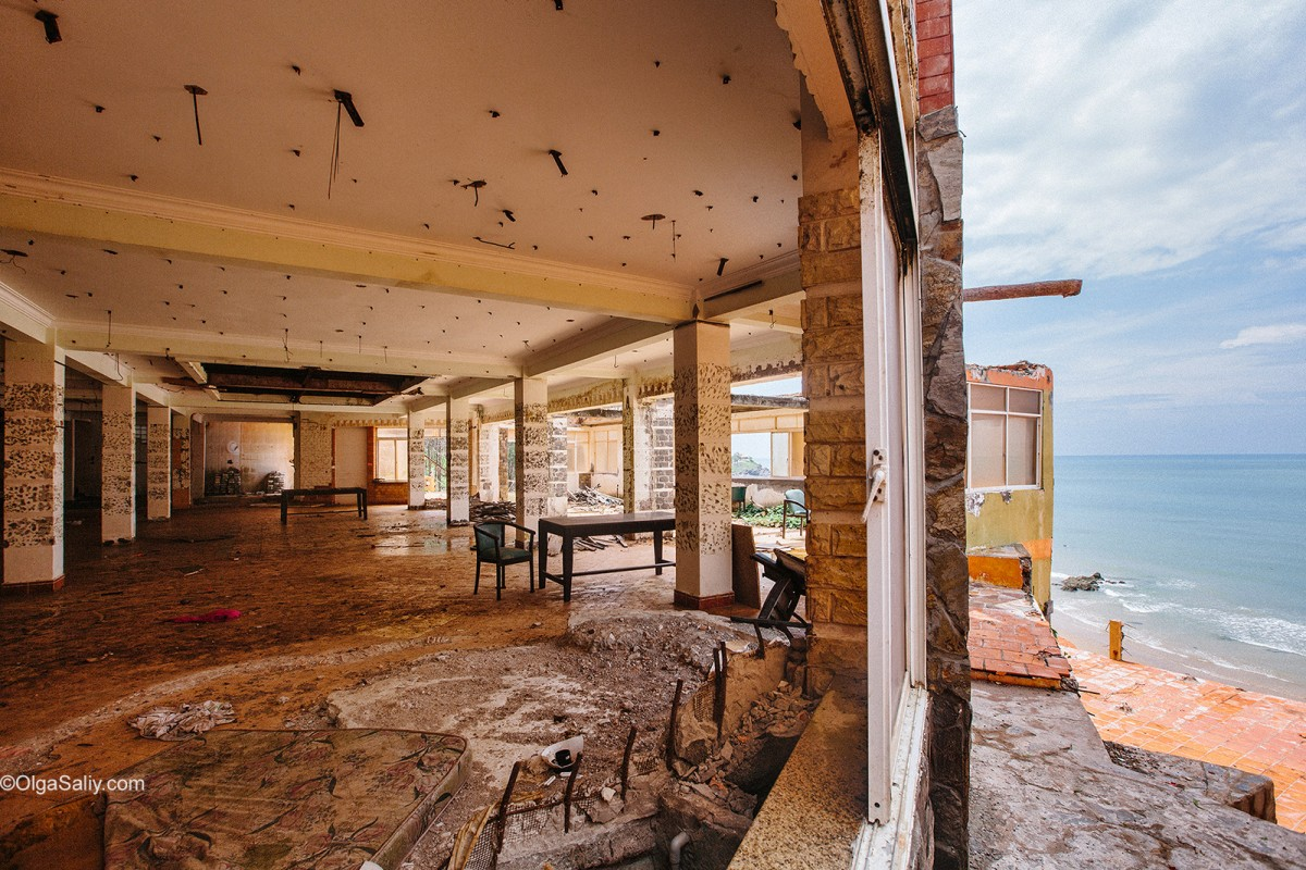 Abandoned Hotel Vietnam (8)