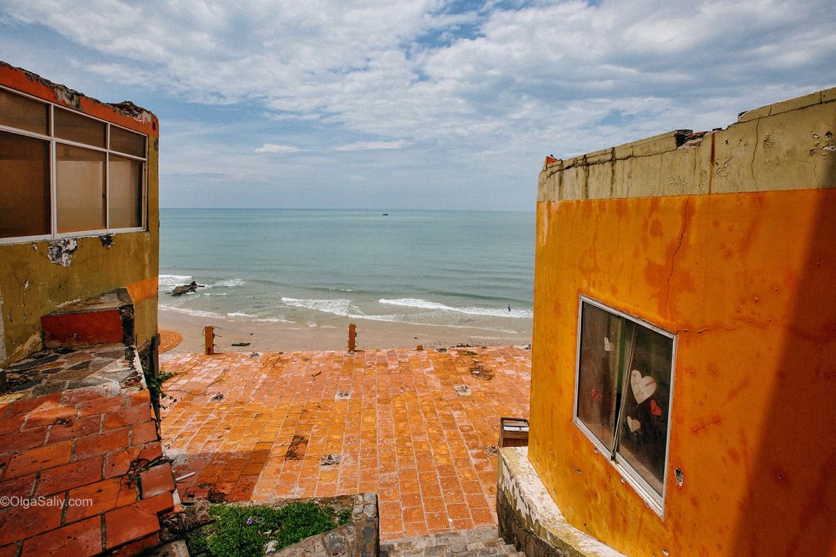 Abandoned Hotel Vietnam (7)