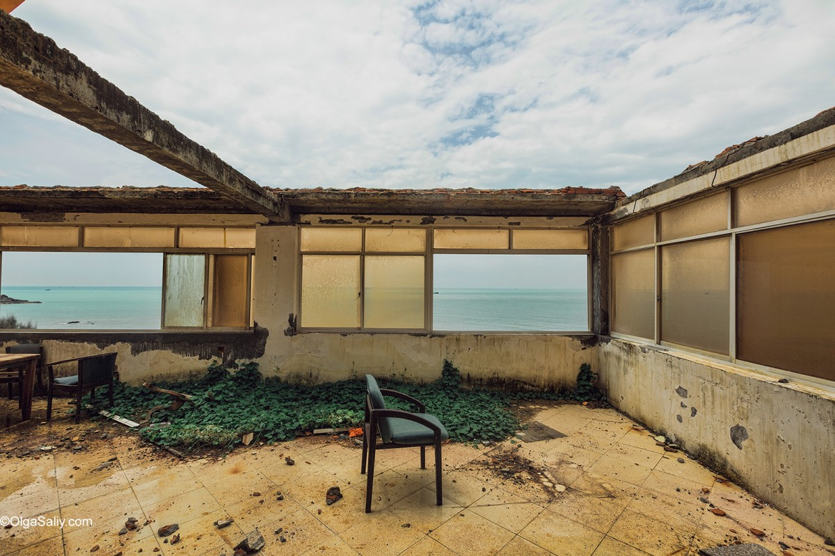 Abandoned Hotel Vietnam (5)