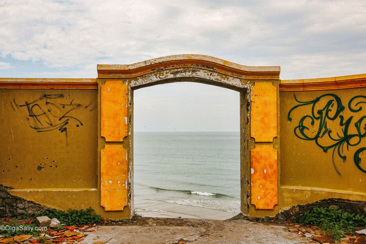 Door to the sea