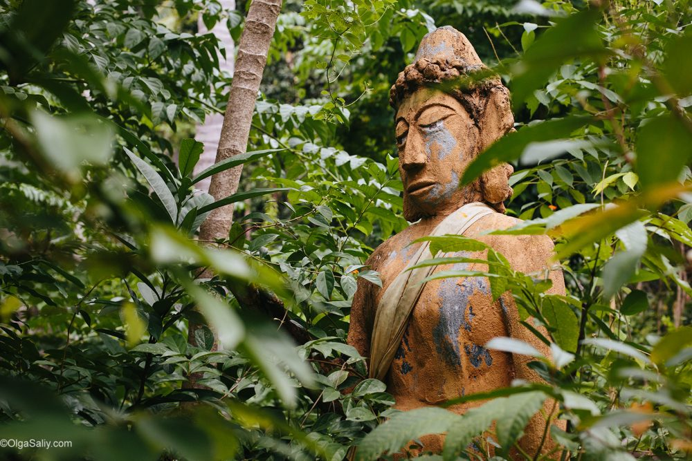 Abandoned statues with traces of bullets on Koh Samui (2)