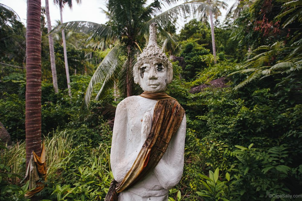 Abandoned statues with traces of bullets on Koh Samui (7)
