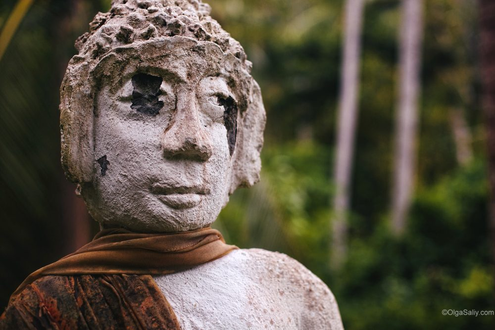 Abandoned statues with traces of bullets on Koh Samui (9)