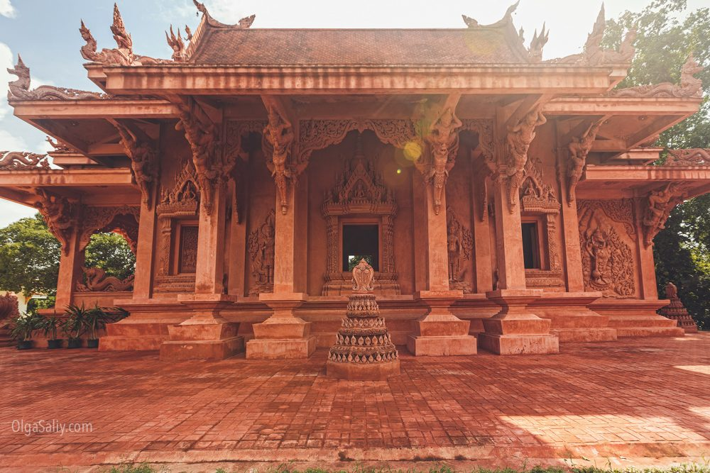 The red temple Koh Samui (8)