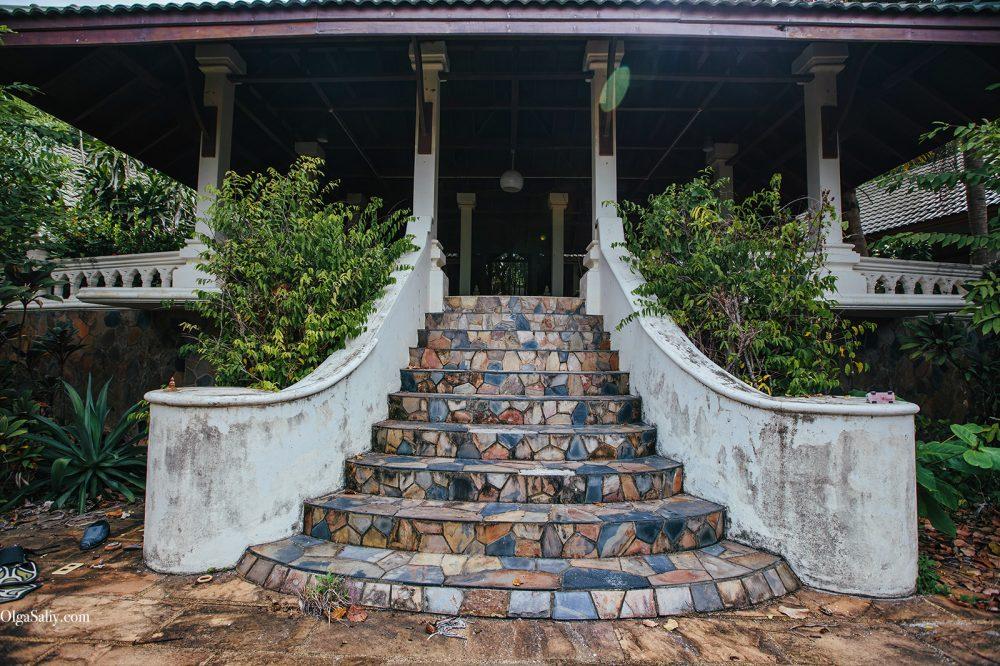 Interesting places of Samui island: Abandoned hotel on the beach (18)