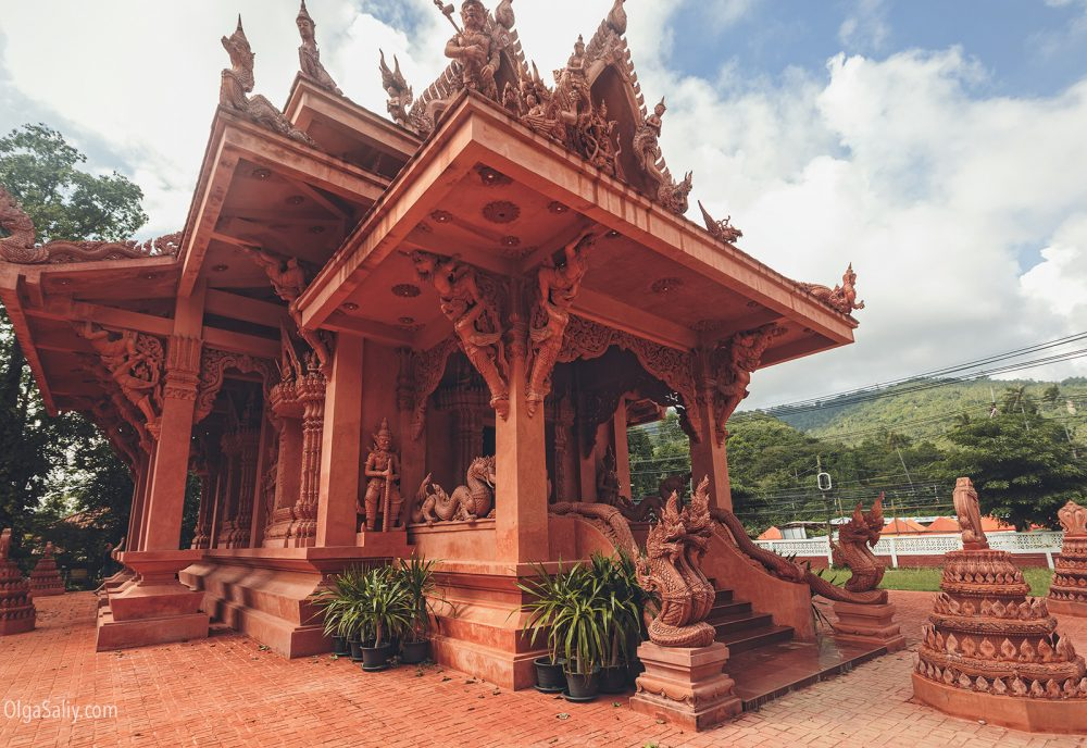 The red temple Koh Samui (7)