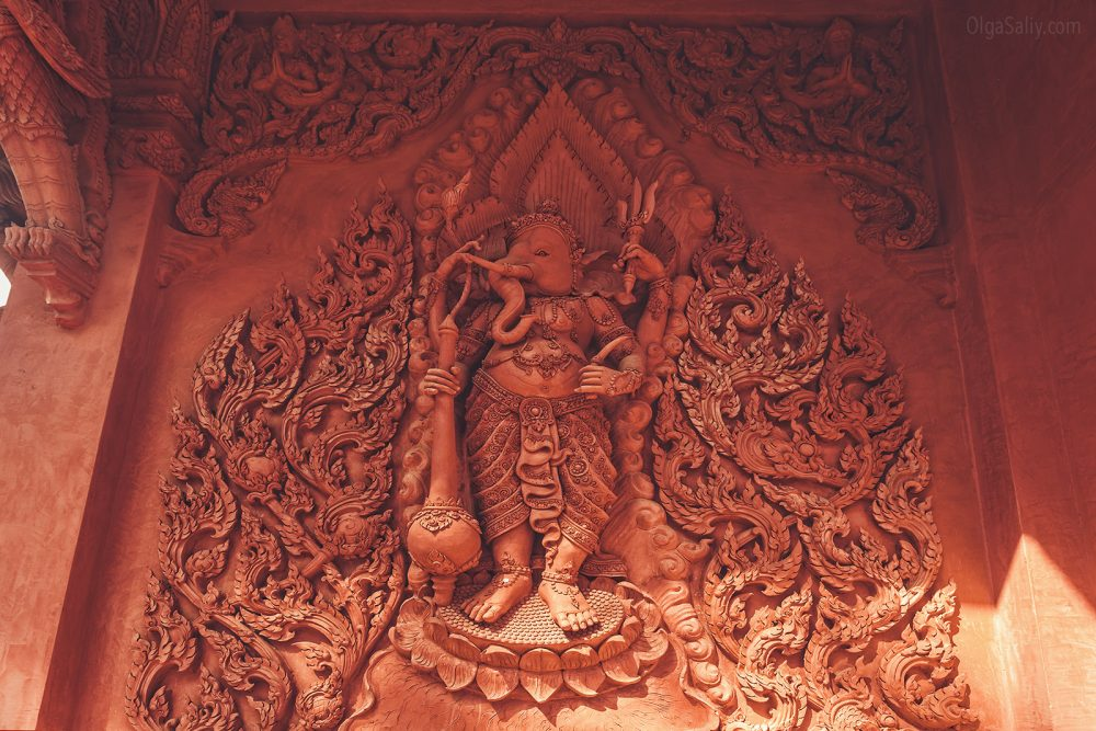 The red temple Koh Samui (5)