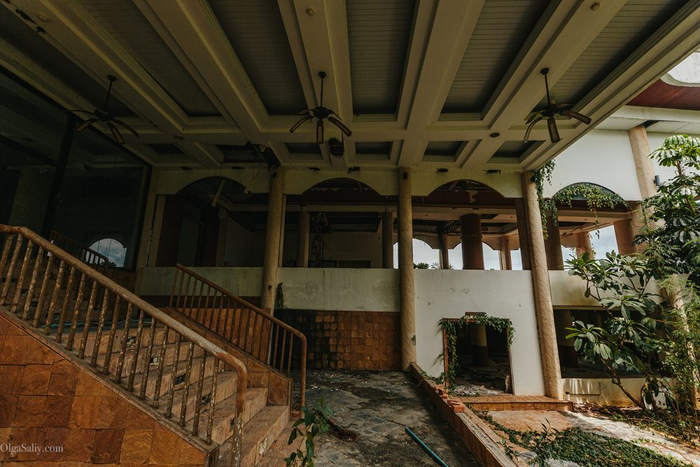 Abandoned hotel 404 on Koh Samui, Chaweng (4)