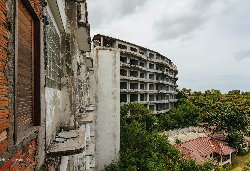 Abandoned hotel 404 on Koh Samui, Chaweng (13)