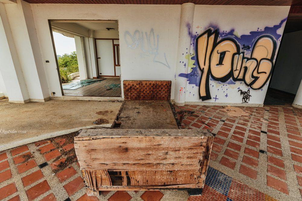 Abandoned hotel 404 on Koh Samui, Chaweng (16)