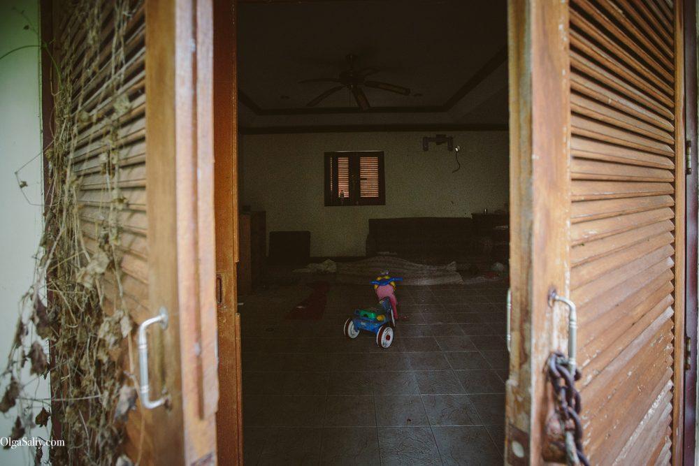 Interesting places of Samui island: Abandoned hotel on the beach (14)