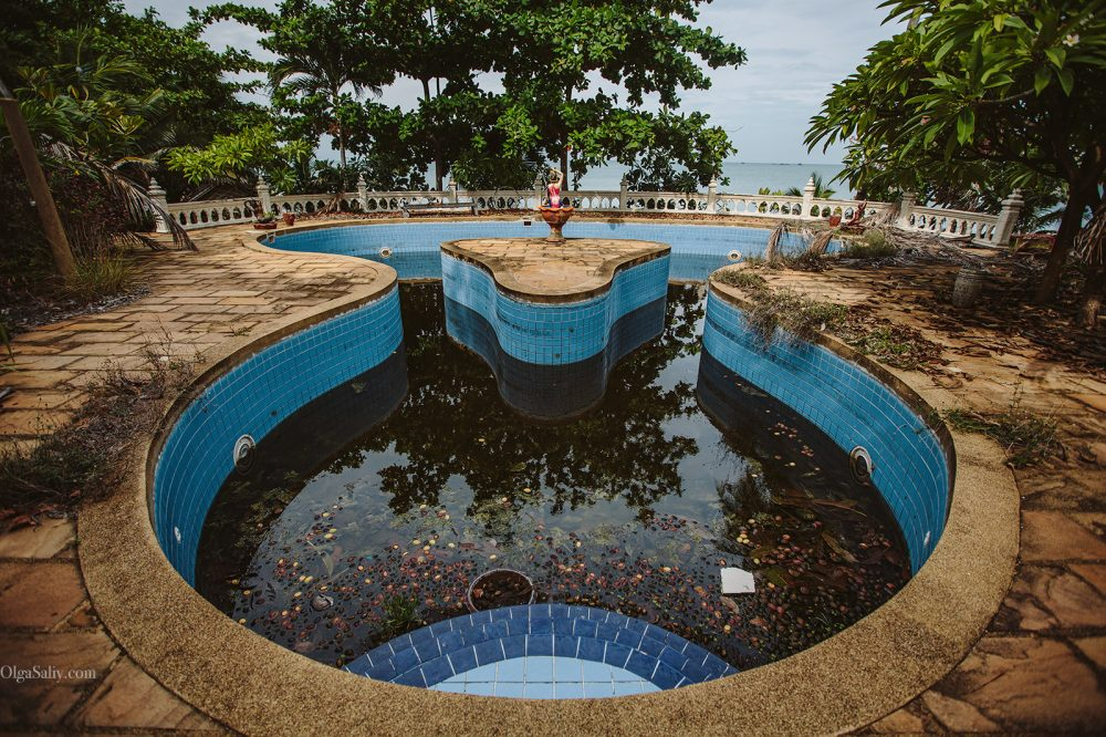 Interesting places of Samui island: Abandoned hotel on the beach (13)