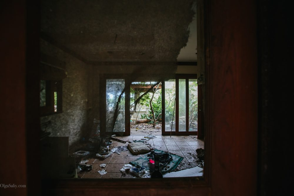 Interesting places of Samui island: Abandoned hotel on the beach (6)