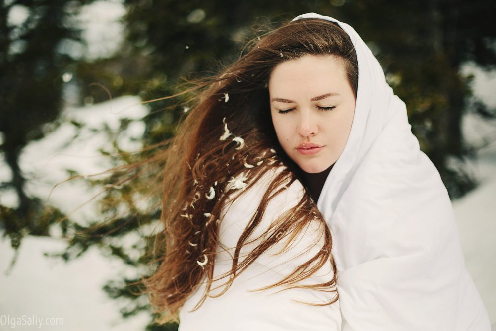 Siberian girl Photo shooting in snow (2)