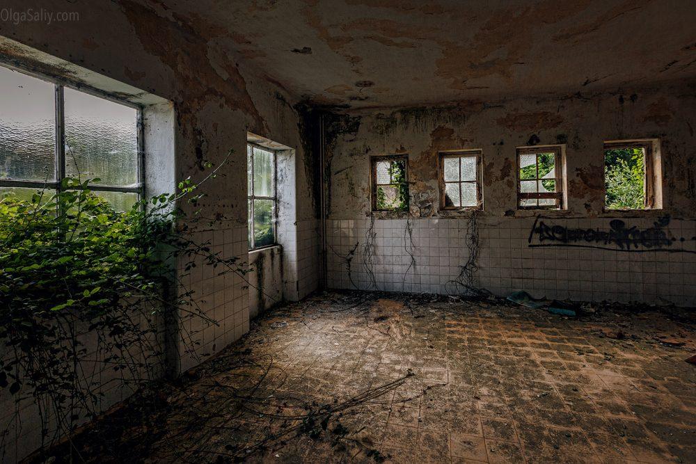 Abandoned hospital, Portugal (19)
