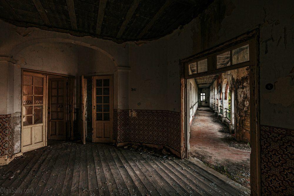 Abandoned hospital, Portugal (17)